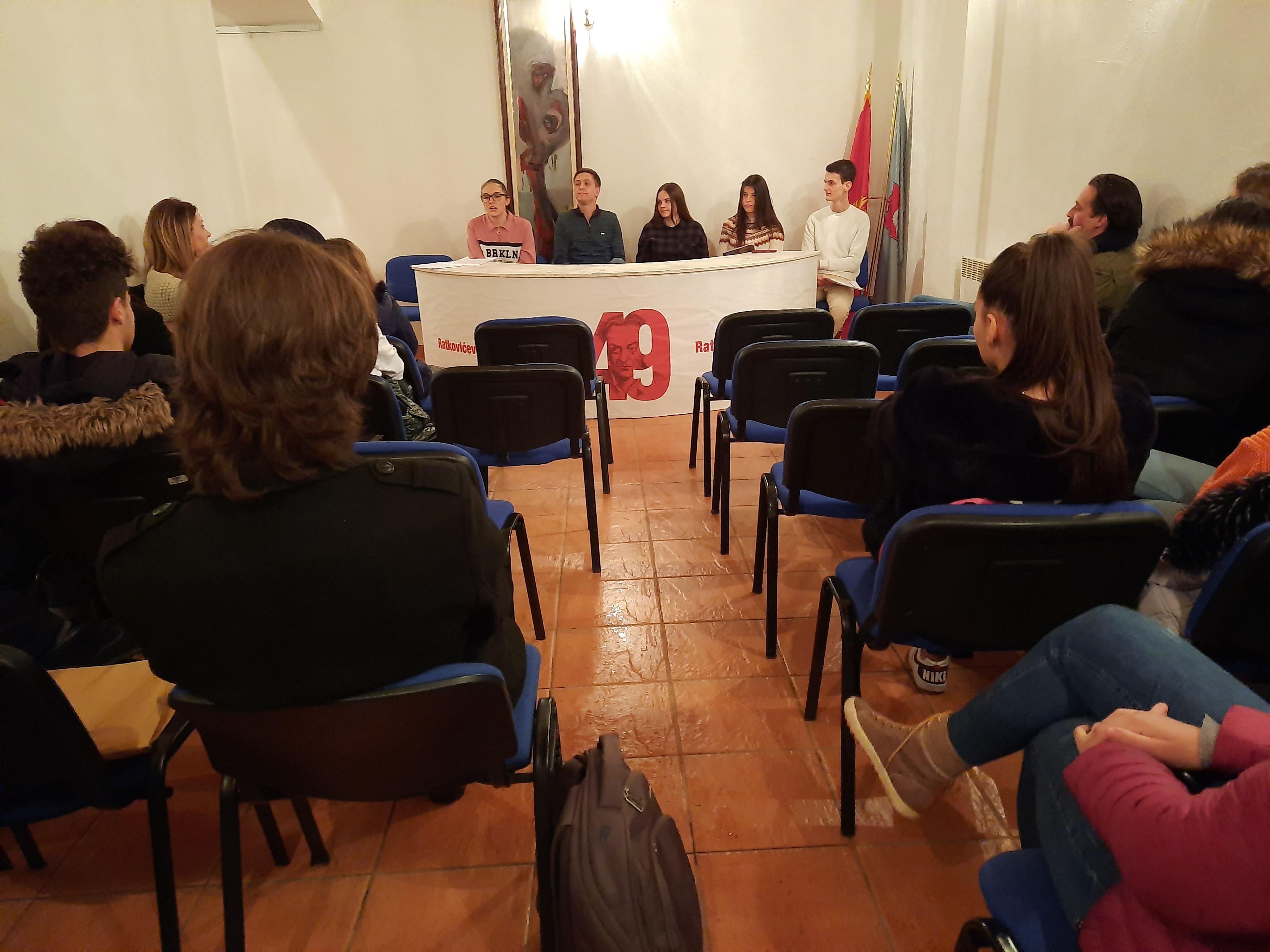 Gimnazijalci održali književno veče u Kući Rista Ratkovića