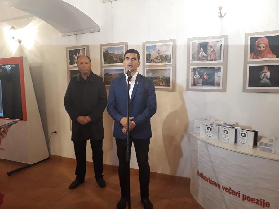 Otvorena izložba fotografija Željka Đukića