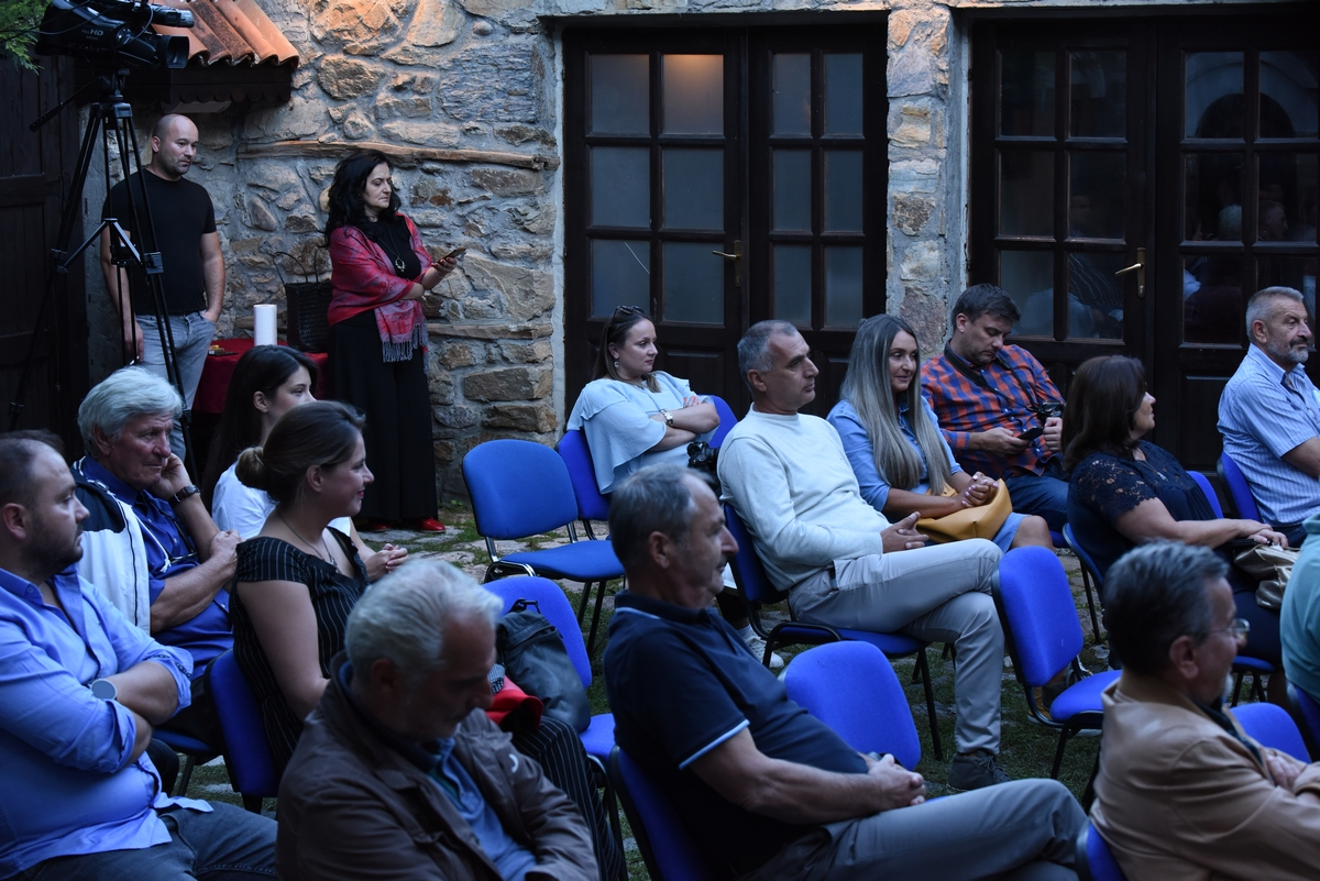 publika.jpg